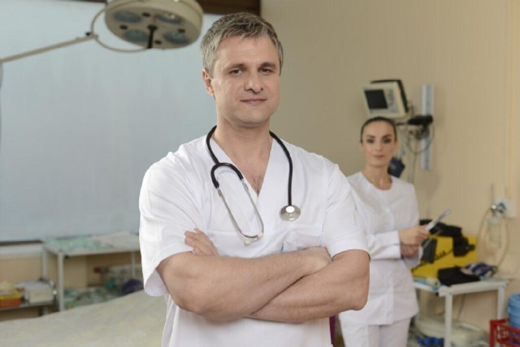 「東先生でお願いします!」~名歯科医は指名できないが探偵は指名できる